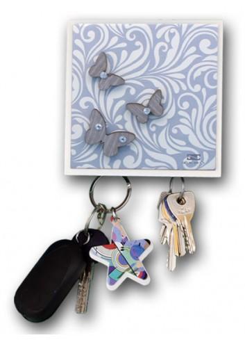Appendichiavi 2 posti in ceramica con stampa + appl. farfalle in legno MAM-08 Serie Cinzia Negò