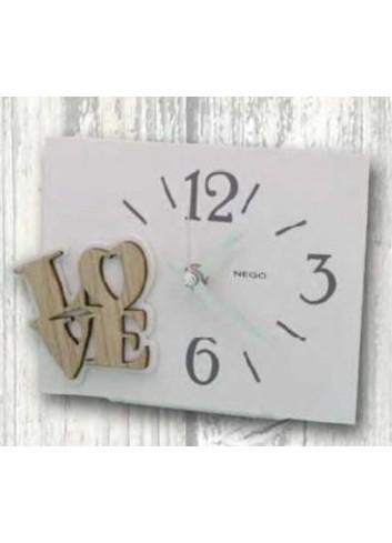 Orologio in metallo bianco con applicazione Love in legno FRA-03/06 Francesca Negò