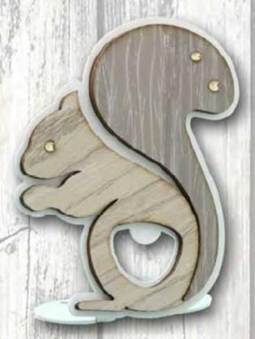 Apribottiglie da appoggio Scoiattolo in metallo bianco e legno con strass SSL-A Scoiattolo Legno Negò