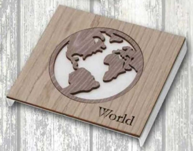 Sottopentola in metallo + applicazione Mondo in legno STP-16-12 Serie Sottopentola 019 Negò