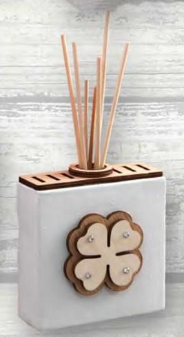 Profumatore in ceramica con applicazione quadrifoglio in legno e strass ABC-01 Abbraccio Negò