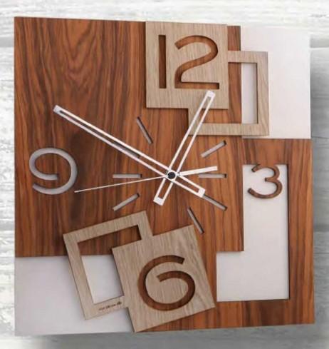 Orologio da parete con applicazione in legno QUA-012-013 Serie Quadra Negò