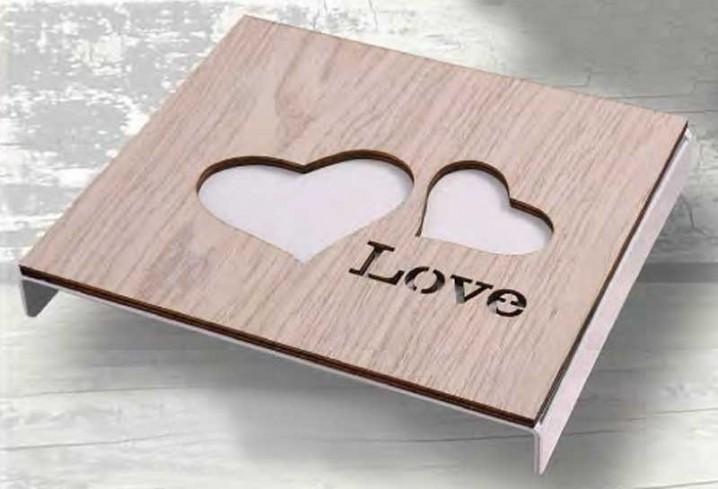 Sottopentola Love in metallo con applicazione in legno Sottopentola STP-04/08 Negò