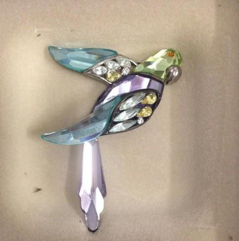 Spilla pappagallo 270708 anno 2004 Swarovski