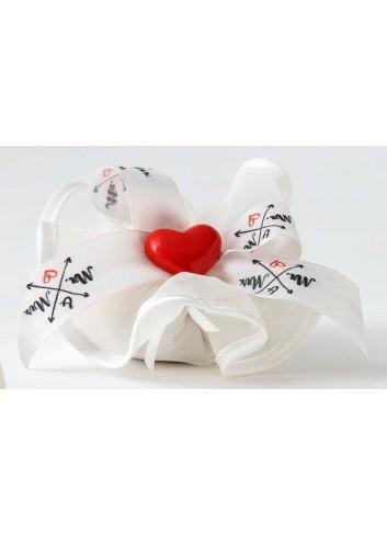 Disco tondo in organza con Magnete Cuore rosso in porcellana con fiocco A7709/FM Eventi d'amore AD Emozioni