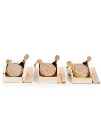 Tagliere monoporzione in legno con coltellino 3 colori assortiti  D5531 Taglieri legno Cuorematto